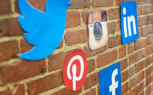 Social Media Washing, False Interaction