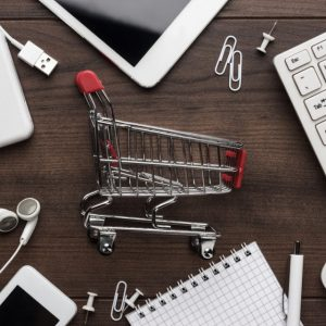 Recommendations, the most influential factor for women in their online shopping